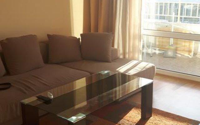 Апартаменты Nesebar Fort Club Apartment комната для гостей