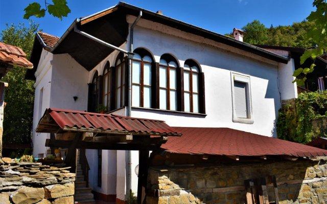 Hotel Bilyana вид на фасад