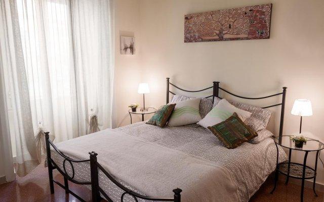 Отель Glam Sm Maggiore Guest House Италия, Рим - отзывы, цены и фото номеров - забронировать отель Glam Sm Maggiore Guest House онлайн комната для гостей
