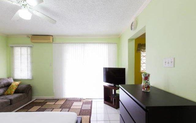 Отель The Pentwood@Charlton комната для гостей