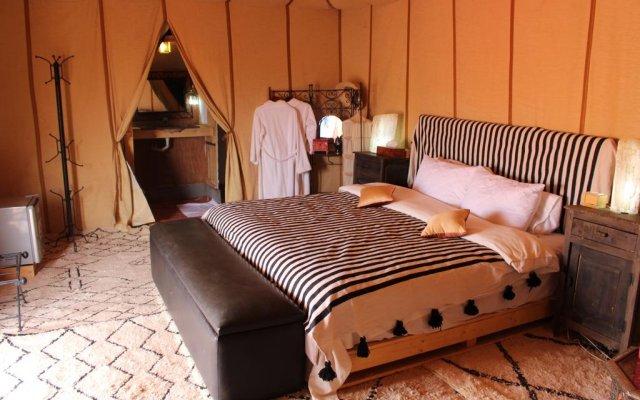 Отель Desert Luxury Camp Марокко, Мерзуга - отзывы, цены и фото номеров - забронировать отель Desert Luxury Camp онлайн комната для гостей