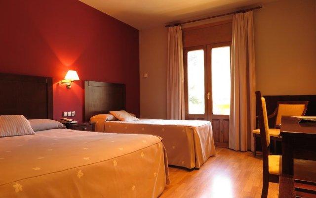Отель Bielsa комната для гостей