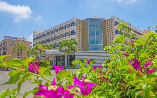 Отель Tsokkos Gardens Hotel Кипр, Протарас - 1 отзыв об отеле, цены и фото номеров - забронировать отель Tsokkos Gardens Hotel онлайн вид на фасад