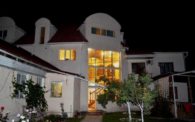 Отель Хостел Тундук Кыргызстан, Бишкек - отзывы, цены и фото номеров - забронировать отель Хостел Тундук онлайн вид на фасад