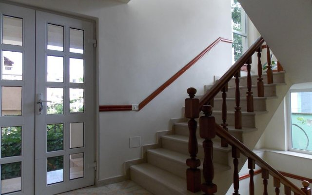 Апартаменты Botanic Park Apartments Тирана комната для гостей