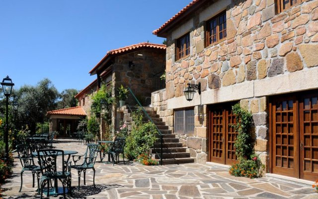Отель Quinta Das Escomoeiras вид на фасад
