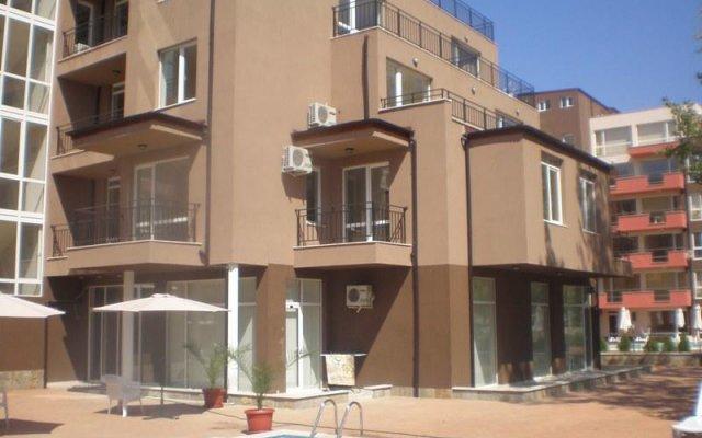 Отель Santa Sofia Apartcomplex Болгария, Солнечный берег - отзывы, цены и фото номеров - забронировать отель Santa Sofia Apartcomplex онлайн бассейн
