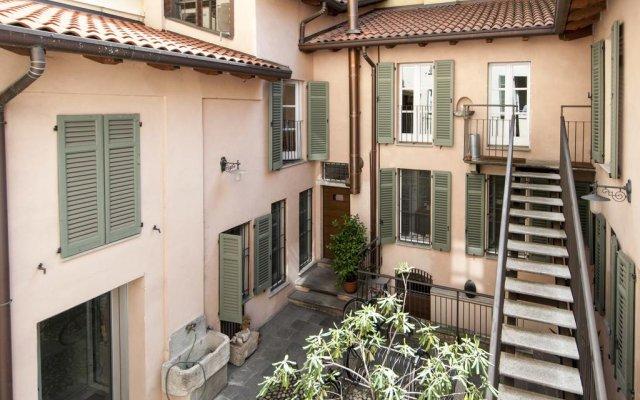 Апартаменты Mila Smart Lux Magenta Apartment Милан балкон