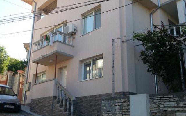 Отель Guest House Emi вид на фасад