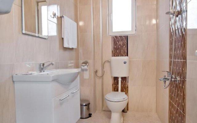 Отель Family Hotel Victoria Gold Болгария, Димитровград - отзывы, цены и фото номеров - забронировать отель Family Hotel Victoria Gold онлайн ванная