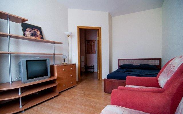 Отель April On Kutuzov 36 Сыктывкар комната для гостей
