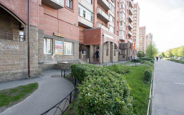 Апартаменты Хочу Приехать на проспекте Испытателей 8 вид на фасад