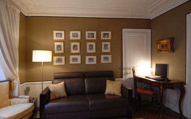 Отель PerfectlyParis Bijou de Bellefond Франция, Париж - отзывы, цены и фото номеров - забронировать отель PerfectlyParis Bijou de Bellefond онлайн комната для гостей