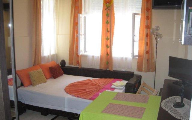 Отель Studio Mira Болгария, Бургас - отзывы, цены и фото номеров - забронировать отель Studio Mira онлайн комната для гостей