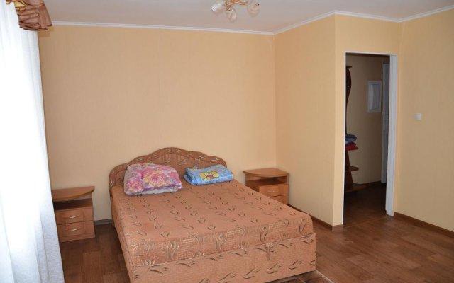 Гостиница Na Geologorazvedchikov 5 в Тюмени отзывы, цены и фото номеров - забронировать гостиницу Na Geologorazvedchikov 5 онлайн Тюмень комната для гостей