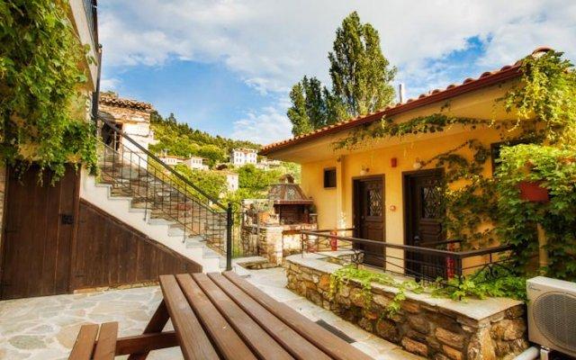 Отель Oreiades Guesthouse вид на фасад
