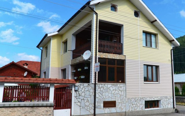 Отель Sunny House Madjare Guest House вид на фасад