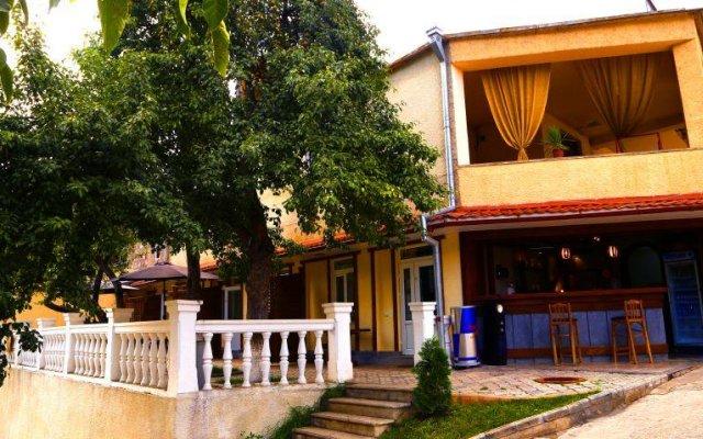 Отель Mimino Guesthouse вид на фасад
