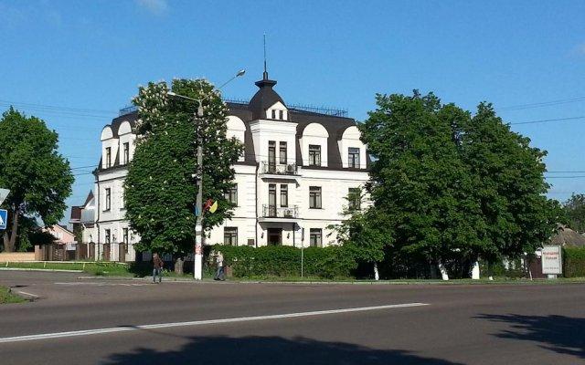 Отель Вилла Ле Гранд Борисполь вид на фасад