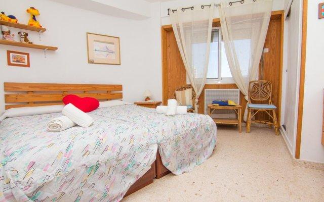 Отель Abahana Villa Levante Beach комната для гостей