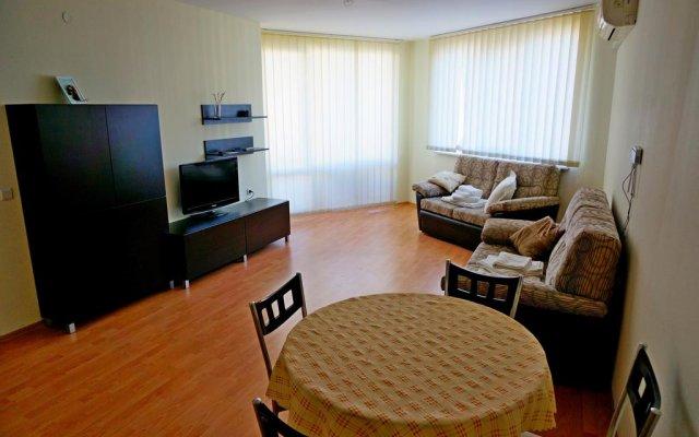 Апартаменты GT Imperial Fort Club Apartments Елените комната для гостей
