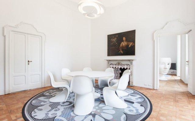 Отель Della Spiga Apartment Италия, Милан - отзывы, цены и фото номеров - забронировать отель Della Spiga Apartment онлайн комната для гостей