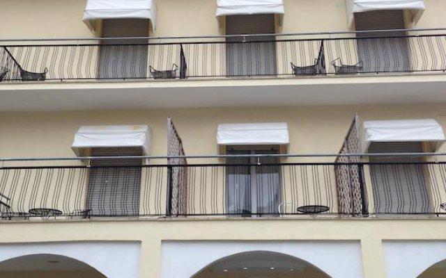 Hotel Villa Elisa вид на фасад