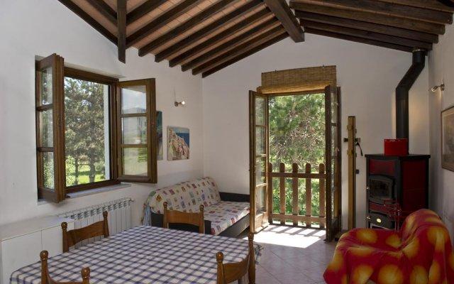 Отель La Casa Sul Fiume Сарцана комната для гостей