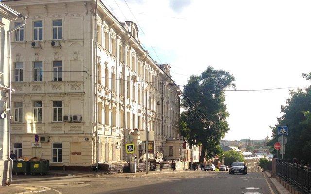 HQ Hostel Москва вид на фасад