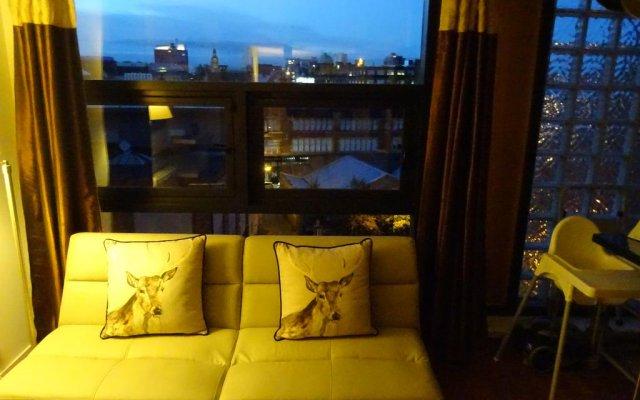 Отель Orchid Penthouse Duplex - Glasgow City Centre Великобритания, Глазго - отзывы, цены и фото номеров - забронировать отель Orchid Penthouse Duplex - Glasgow City Centre онлайн комната для гостей