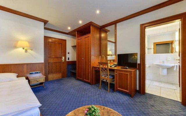 Hotel Fischerwirt Исманинг комната для гостей