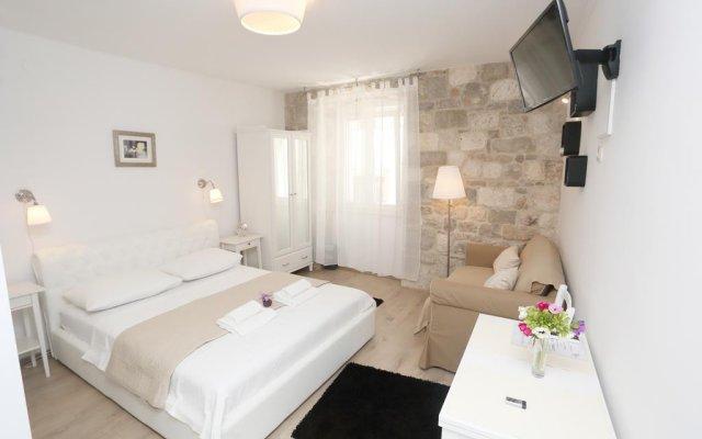 Отель Split Old Town Suites комната для гостей