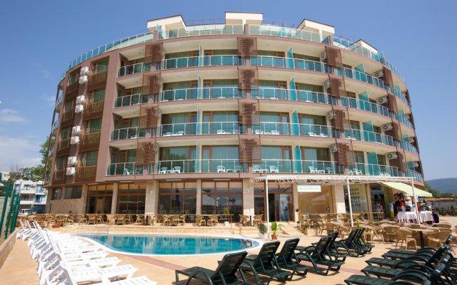 Briz - Seabreeze Hotel вид на фасад
