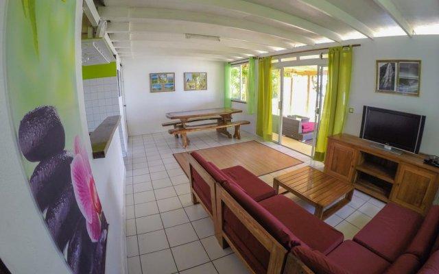 Отель Fare Tiki by Tahiti In Style комната для гостей