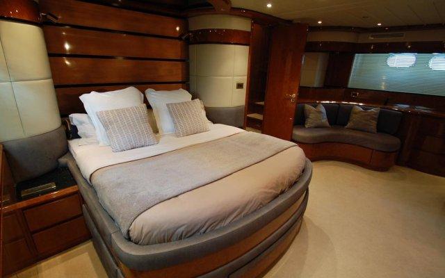 Отель Leigh Yacht Барселона комната для гостей