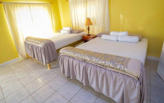Отель Docs Place комната для гостей