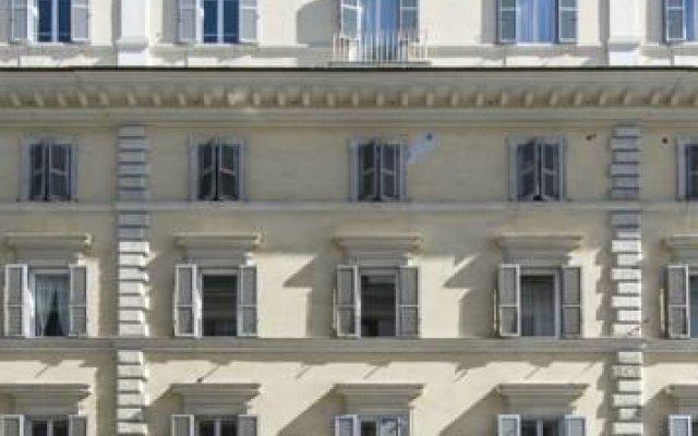Отель Caesar House Residenze Romane вид на фасад