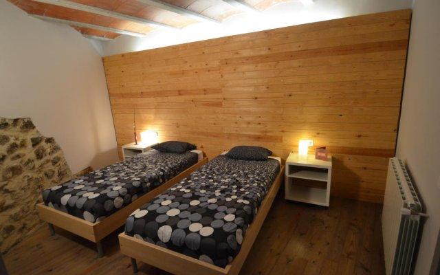 Отель Can Fruitós Бесалу комната для гостей