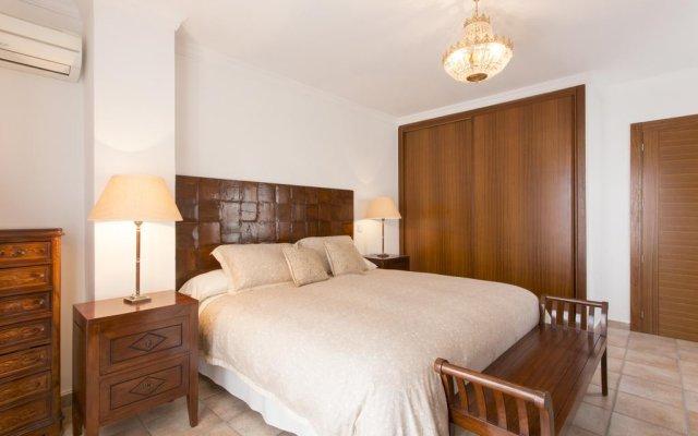 Отель Villa Portals Nous комната для гостей