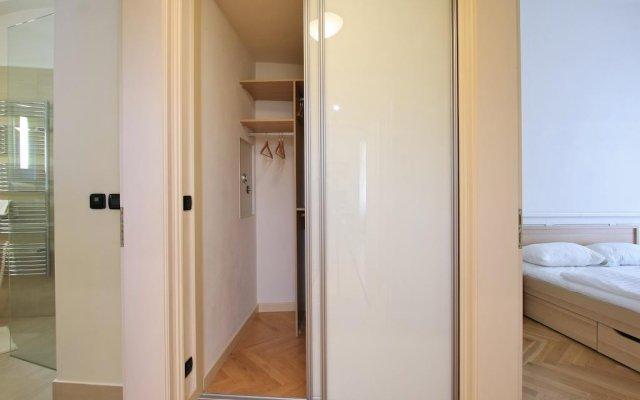 Отель Tyn Church Apartment Чехия, Прага - отзывы, цены и фото номеров - забронировать отель Tyn Church Apartment онлайн комната для гостей