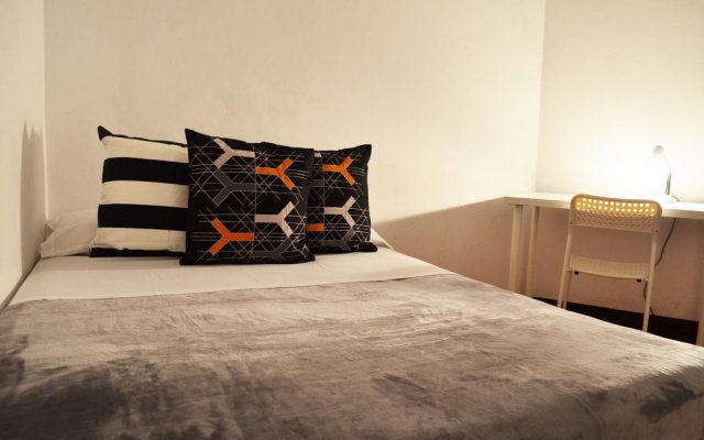 Отель MyBedBcn Испания, Барселона - отзывы, цены и фото номеров - забронировать отель MyBedBcn онлайн комната для гостей