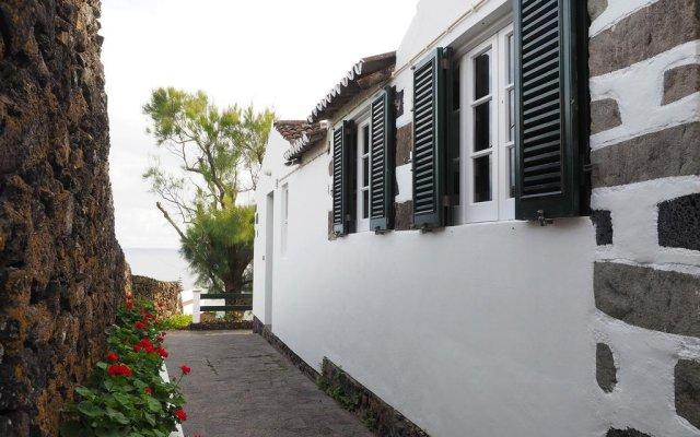 Отель Galera Cottage вид на фасад