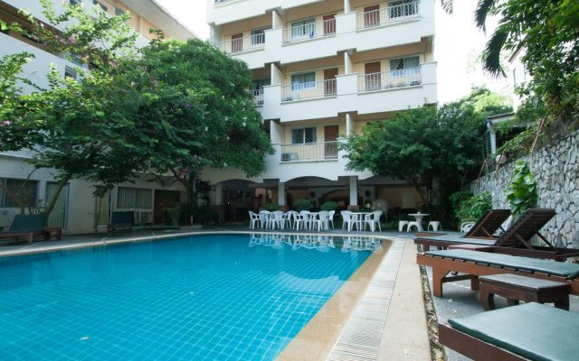 Sawasdee Place Hotel бассейн