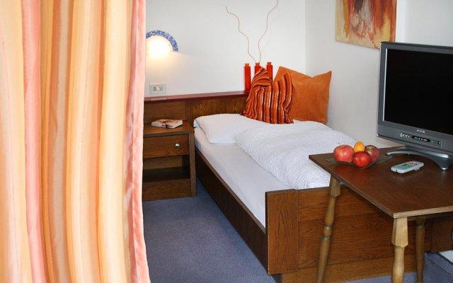 Отель Pension Martha Лана комната для гостей