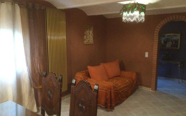 Отель Los Olivos Ла-Гарровилья комната для гостей