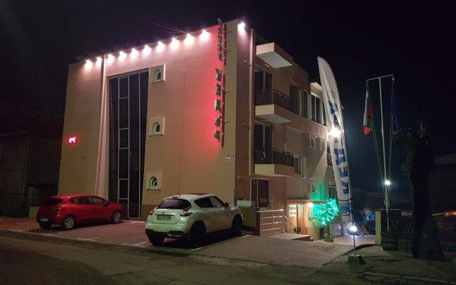 Hotel Kedara вид на фасад