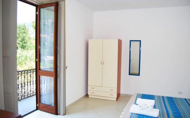 Отель La Quiete degli Dei Аджерола комната для гостей