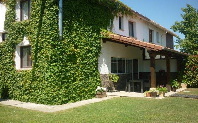 Отель Lolain House вид на фасад
