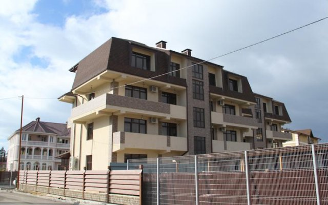 Апартаменты Apartment Tri Kita Сочи вид на фасад