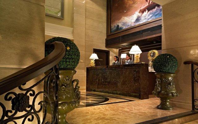 Gulliver`S Tavern Hotel Бангкок интерьер отеля